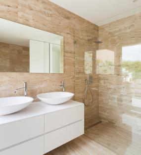 Sprchové a vaňové zásteny